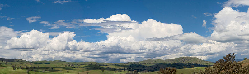 Cumulus clouds panorama.jpg